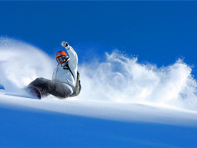 围山滑雪场